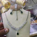 نیمست و سرویس های نقره شامل گردنبند گوشواره و دستبند
